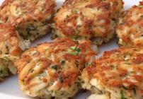 Lyne's Crab (or Salmon) Cakes